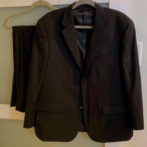 Caravelli Mens black suit, excellent condition